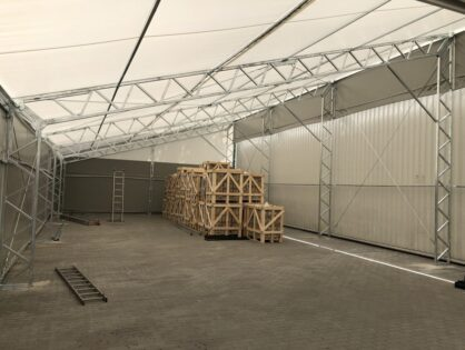 Namiot przemysłowy a pozwolenie na budowę – stawiamy tymczasowy magazyn